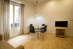 Foster Apartamentos Sol, Apartmanok  Madrid - big - 26