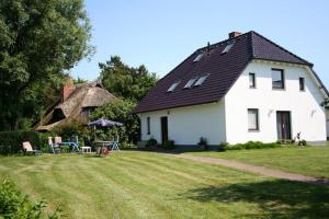 Urlaubs-Appartement am Dorfrand, Apartmanok  Wieck - big - 7