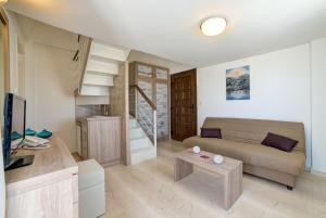 Ifestos Villa, Aparthotely  Fira - big - 42