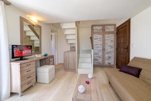Ifestos Villa, Aparthotely  Fira - big - 37