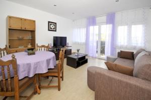Apartment Malia, Apartmány  Trogir - big - 21