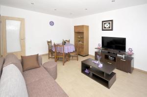Apartment Malia, Apartmány  Trogir - big - 15