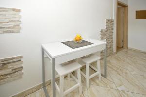 Apartment Malia, Apartmány  Trogir - big - 16