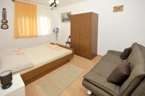 Apartment Malia, Apartmány  Trogir - big - 13