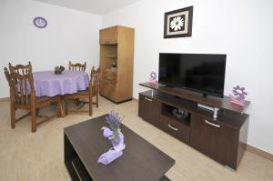 Apartment Malia, Apartmány  Trogir - big - 11