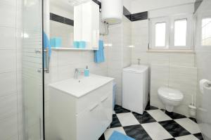 Apartment Malia, Ferienwohnungen  Trogir - big - 9