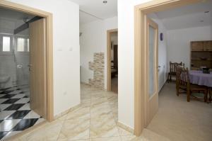 Apartment Malia, Apartmány  Trogir - big - 8