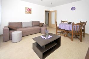 Apartment Malia, Apartmány  Trogir - big - 7