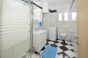Apartment Malia, Apartmány  Trogir - big - 6