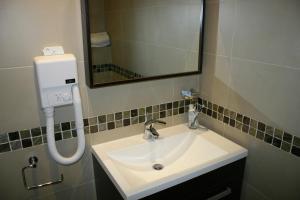 Porto Azzurro Aparthotel, Hotely  St Paul's Bay - big - 49