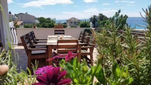 Dream Vacation, Apartments  Podstrana - big - 30