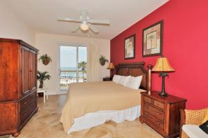One-Bedroom Suite 205E with Sea View