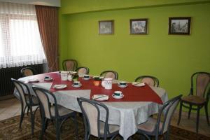 Hotel Restaurant Braas, Szállodák  Eschdorf - big - 11
