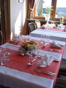 Hotel Restaurant Braas, Szállodák  Eschdorf - big - 16