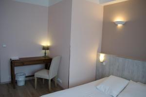 Hôtel Lac Et Forêt, Hotels  Saint-André-les-Alpes - big - 37
