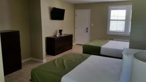 Island Shores Inn, Мотели  Сент-Огастин - big - 27
