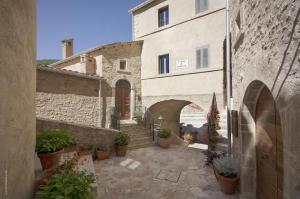 Castello di Postignano (30 of 37)