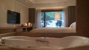 Pinegrove Hotel, Hotely  Gimhae - big - 4