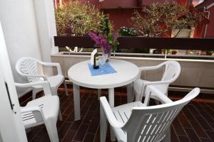 Apartments in Beautiful Split, Apartments  Podstrana - big - 4