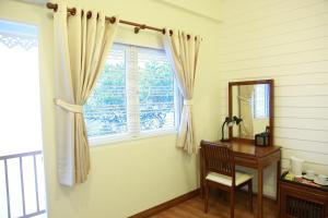 Superior Double Room with Shared Bathroom