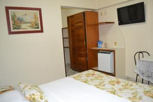 Deluxe Double or Twin Room with Side Sea View