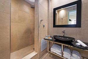 Azzurro Suites, Apartmánové hotely  Fira - big - 33