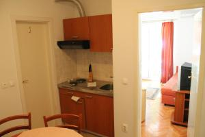Apartments Ankora, Apartmány  Tučepi - big - 8