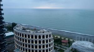 Black Sea Tower, Apartmanok  Batumi - big - 24