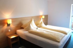 Hotel-Pension Falkensteiner, Hotels  Sankt Gilgen - big - 27