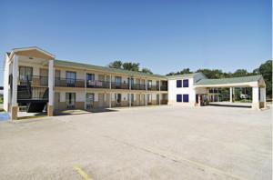 Americas Best Value Inn and Suites - Kinder