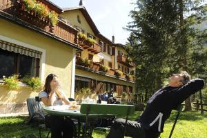 Hotel Vioz, Hotely  Peio Fonti - big - 47