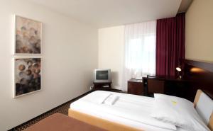 Hotel Rottal, Отели  Отроковице - big - 8