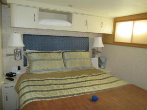 Ocean Romance Dockside Bed & Breakfast Yacht, B&B (nocľahy s raňajkami)  Newport - big - 6