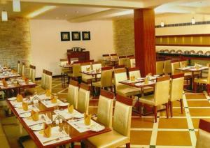 The Avenue Center Hotel, Hotels  Cochin - big - 10