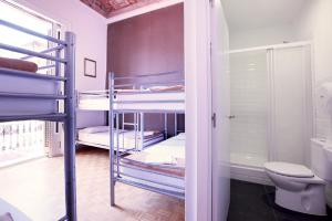 Room with Private Bathroom for 5