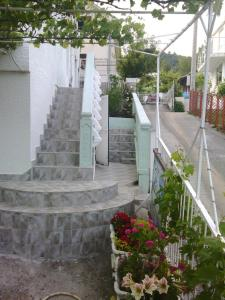Vila Gerbera, Апартаменты  Сутоморе - big - 5