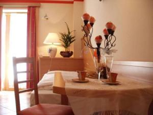 Hotel La Baita, Hotely  Malborghetto Valbruna - big - 4