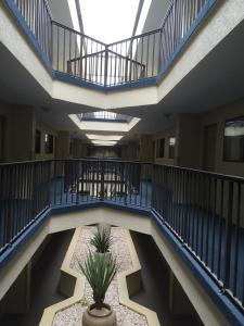 Brighton Suites Hotel, Отели  Рехобот-Бич - big - 17