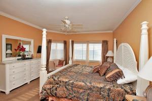 Four-Bedroom Suite 1306