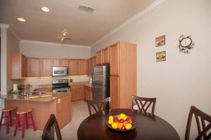 Three-Bedroom Apartment 2213