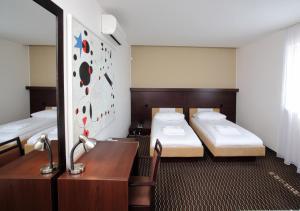 Hotel Rottal, Отели  Отроковице - big - 10