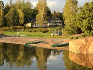 Hjortö Stugor & Stockhus