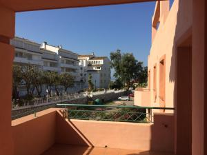 Marbella Beach Resort at Club Playa Real, Apartmanok  Marbella - big - 45