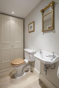 onefinestay - South Kensington private homes II, Apartmány  Londýn - big - 11