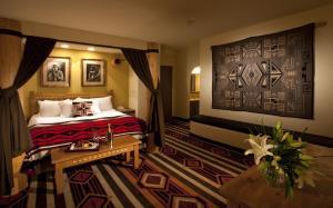 Kiva King Suite