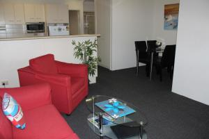 Beaches Serviced Apartments, Aparthotels  Nelson Bay - big - 13