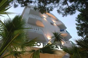 Hotel Tropical, Hotely  Lido di Jesolo - big - 41
