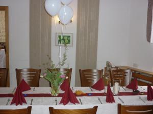 Hotel Waldhaus-Hutzelhöh, Penziony  Ruhla - big - 28