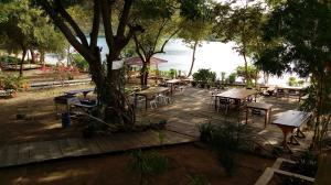 Waecicu Beach Inn, Гостевые дома  Лабуан Баджо - big - 37
