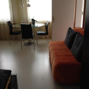Chalet Blümlisalp, Apartments  Beatenberg - big - 2